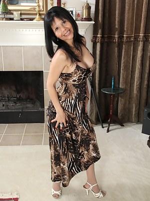 MILF Dress Porn Pictures