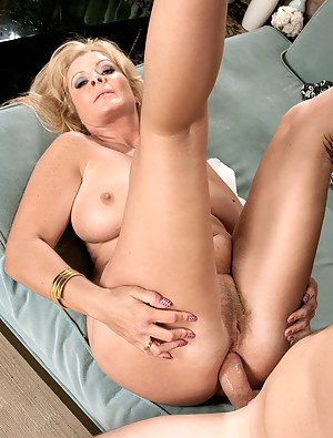 MILF Anal Porn Pictures